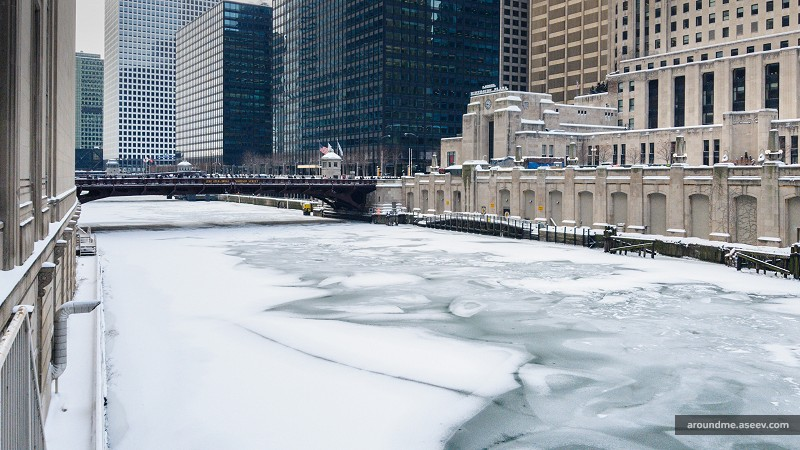Polar Vortex 2019 - Chicago River Froze in Record Cold